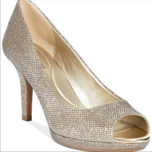 Bandolino peep toe heel 6 sparkle gold glitter
